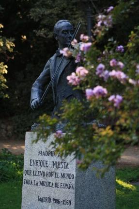 Enrique Iniesta