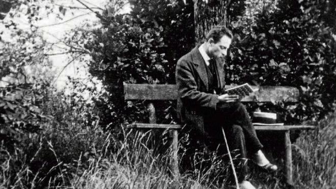 R M Rilke leyendo.png